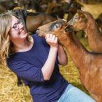 Dans la peau de Marina, complètement chèvre… des chèvres !