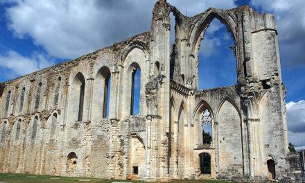 L'abbaye de Maillezais, un site historique du Marais Poitevin